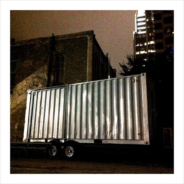 SushiBOX night container architecture