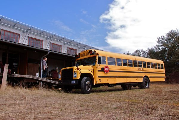 Dacha kool bus